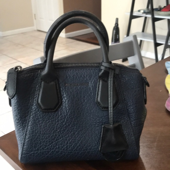Michael Kors Handbags - Michael Kor's mini bag